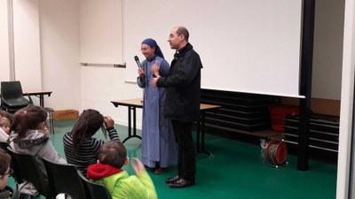 Témoignage de soeur Heloise de la communauté de l'Agneau aux enfants du catéchisme et de l'aumônier