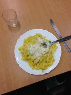 Film et pasta pesto à l'aumônerie avec les seconds cycle
