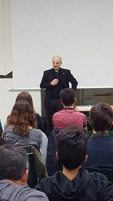Les deux exorcistes du Diocese viennent parler aux jeunes de la 5ème au second cycle...