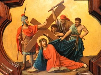 Chemin de croix (Station III, Jésus tombe pour la première fois), église Saint-Symphorien de Pfettisheim, France.
